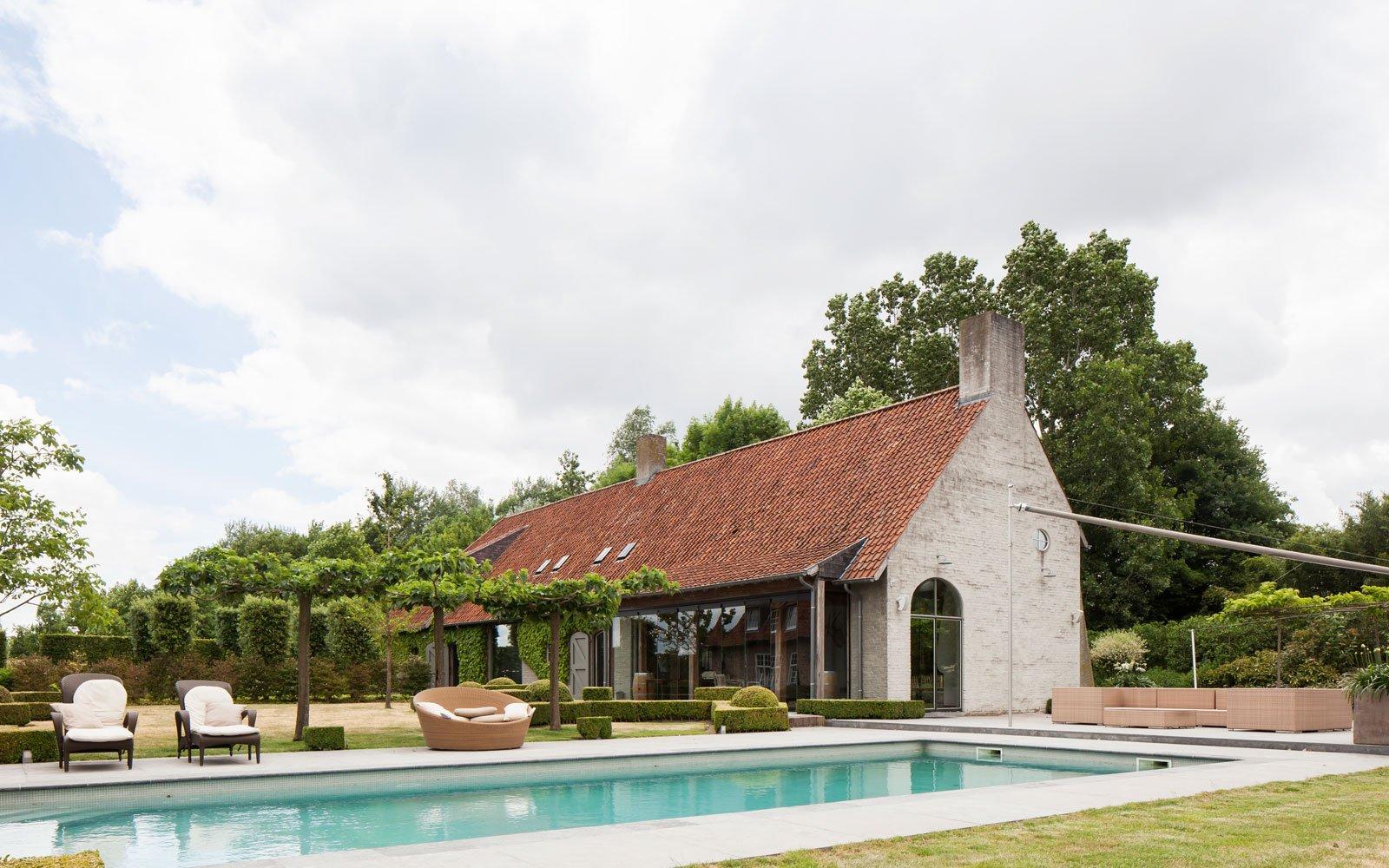 zwembad in de tuin, jelle vandercasteelen, zwembad aanleggen, tuin ontwerpen