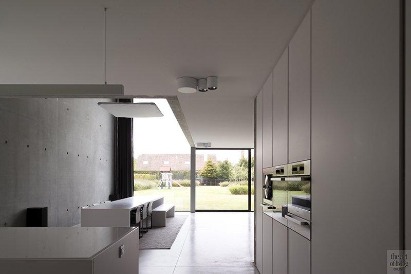 Betonlook, Ellen Vertommen, Interieur, Beton, Keuken, Strakke Keuken, Moderne keuken, Stoomoven