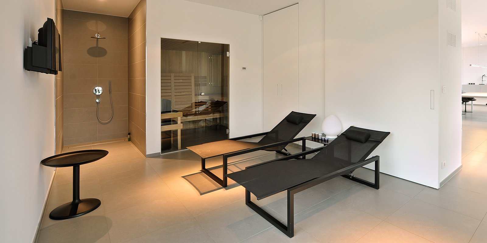 Strakke Witte Eettafel.Sfeervolle Keuken Achterwand Architects In Motion The Art Of