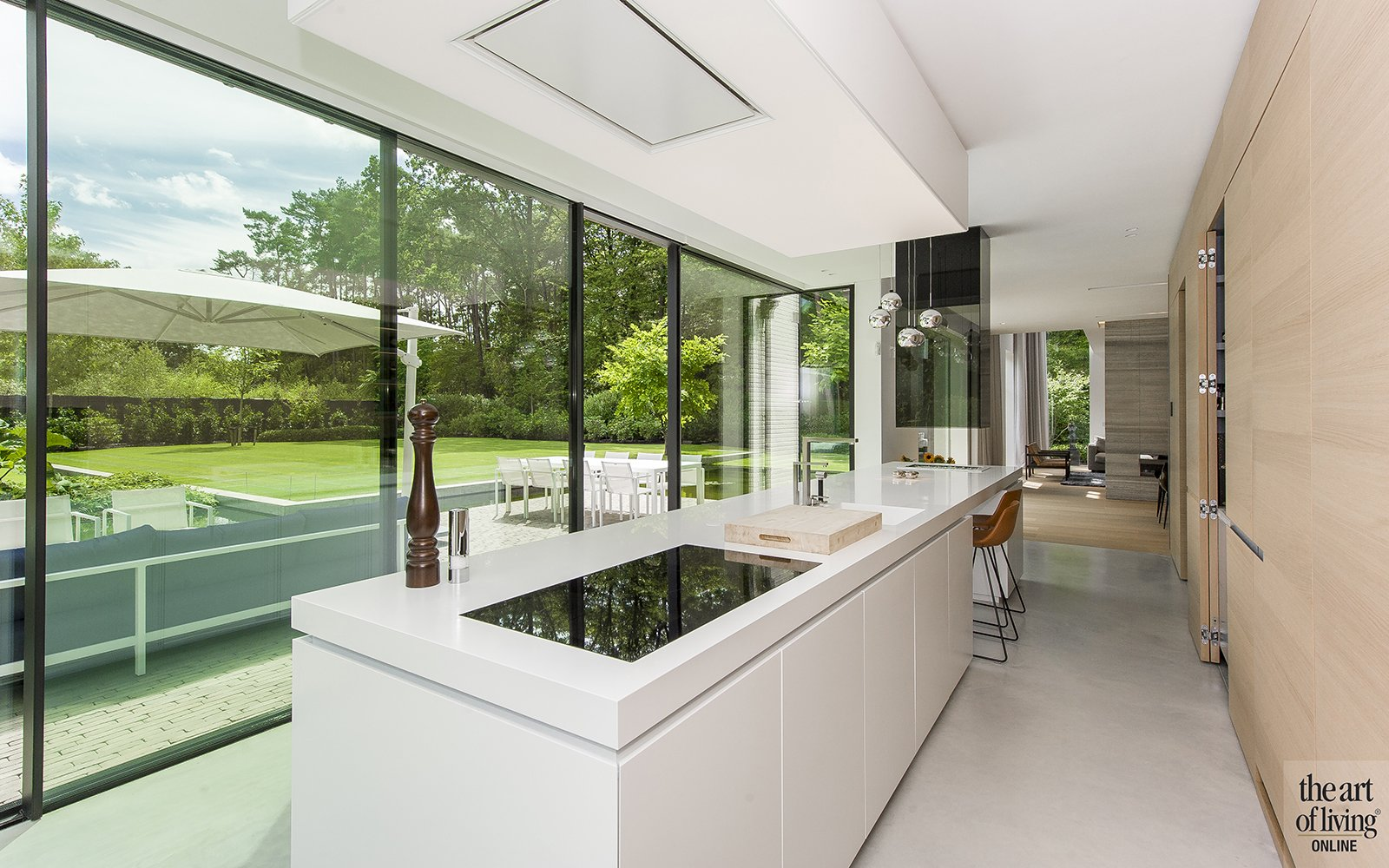 Witte moderne keuken, Vlassak architects. the art of living