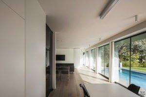 Moderne luxe villa, Architectuuratelier De Jaeghere, glaspartij,