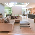 Naadloze gietvloer | DRT vloeren, betonvloer, betonlook, licht beton, veel lichtinval, villa