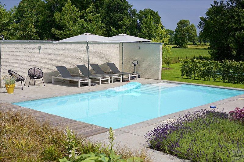 Strakke tuin, Richard de Jong, Zwembad, Tuin, Betontegels