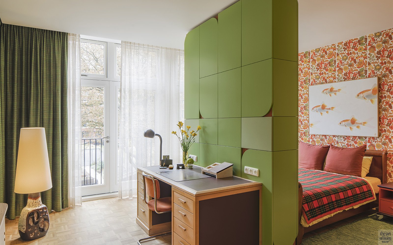 Scandinavisch interieur, Julien Kummer, sixties, seventies, kleurenpalet, appartement, boekenkast