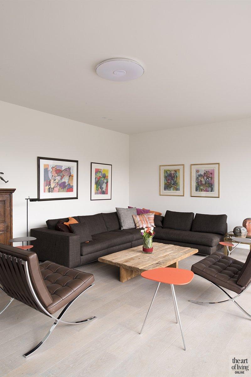 Tijdloos wonen, Kris van den Broeck, Modern interieur, Wit interieur, Strak Interieur, Woonkamer, Livingroom, Openhaard