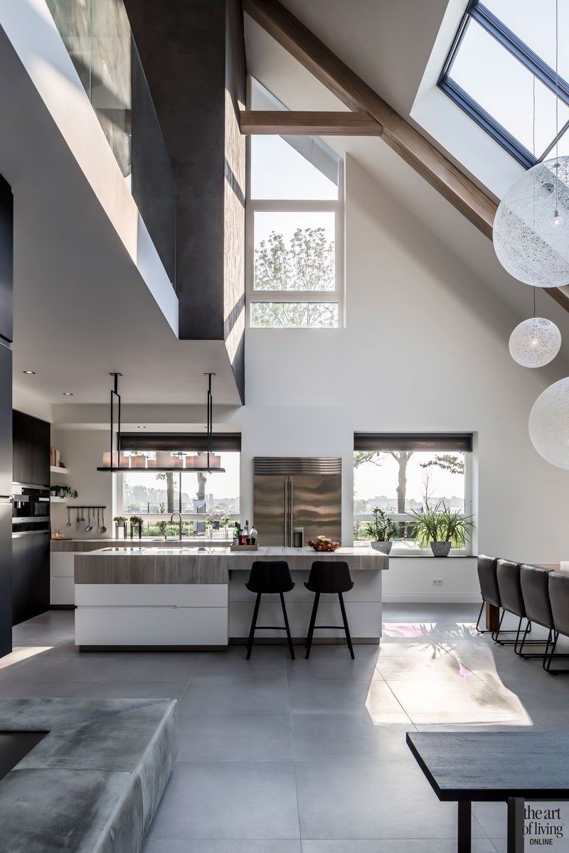 witte keuken, culimaat, design interieur, modern wonen, Versteegh Design, boerderijvilla