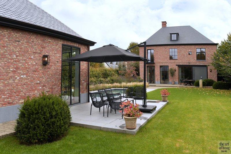 huis bouwen, Vlassak Architects, modern, exclusief, zwembad, houten keuken