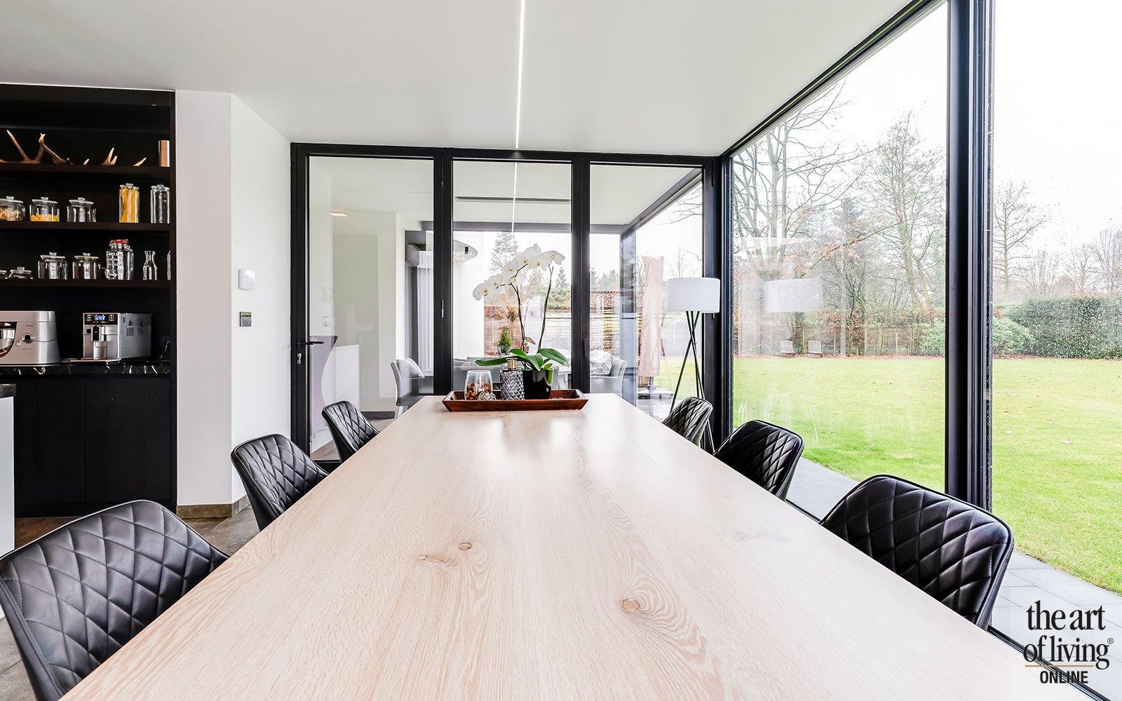 Open architectuur met symmetrisch karakter, Lise Luyten, interieurdesign, maatwerk keuken