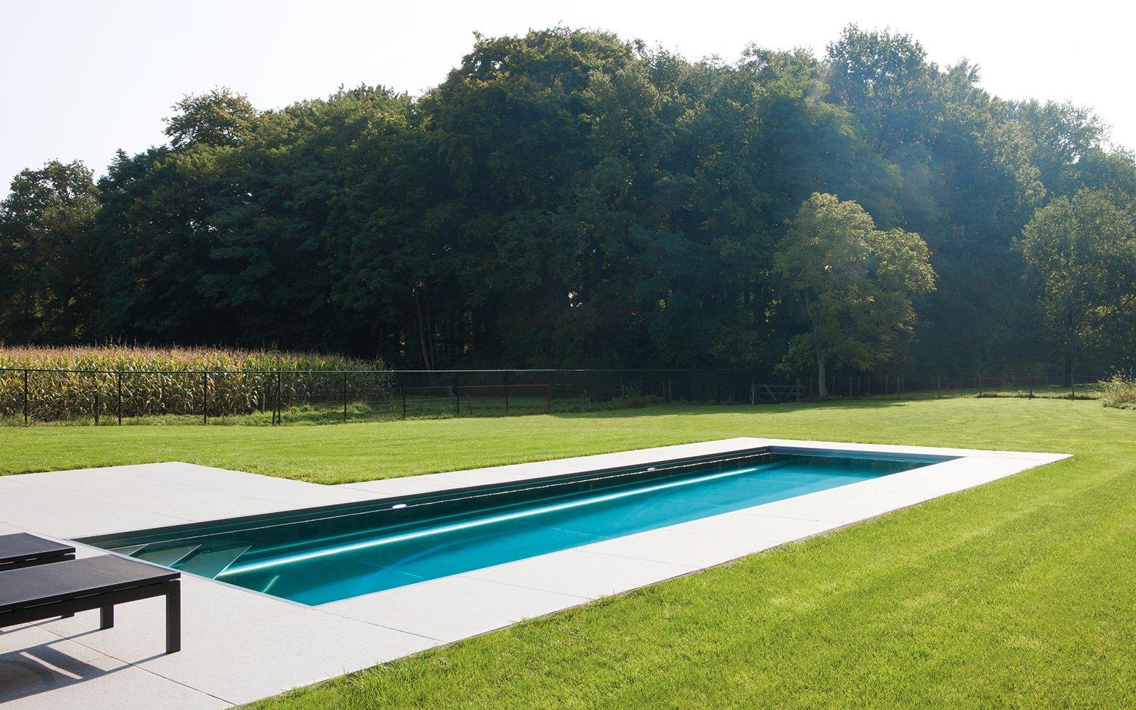 Strak zwembad, strakke tuin, landelijk, Nouv'eau Zwembaden