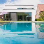 modern zwembad, strakke tuin, Nouv'eau Zwembaden