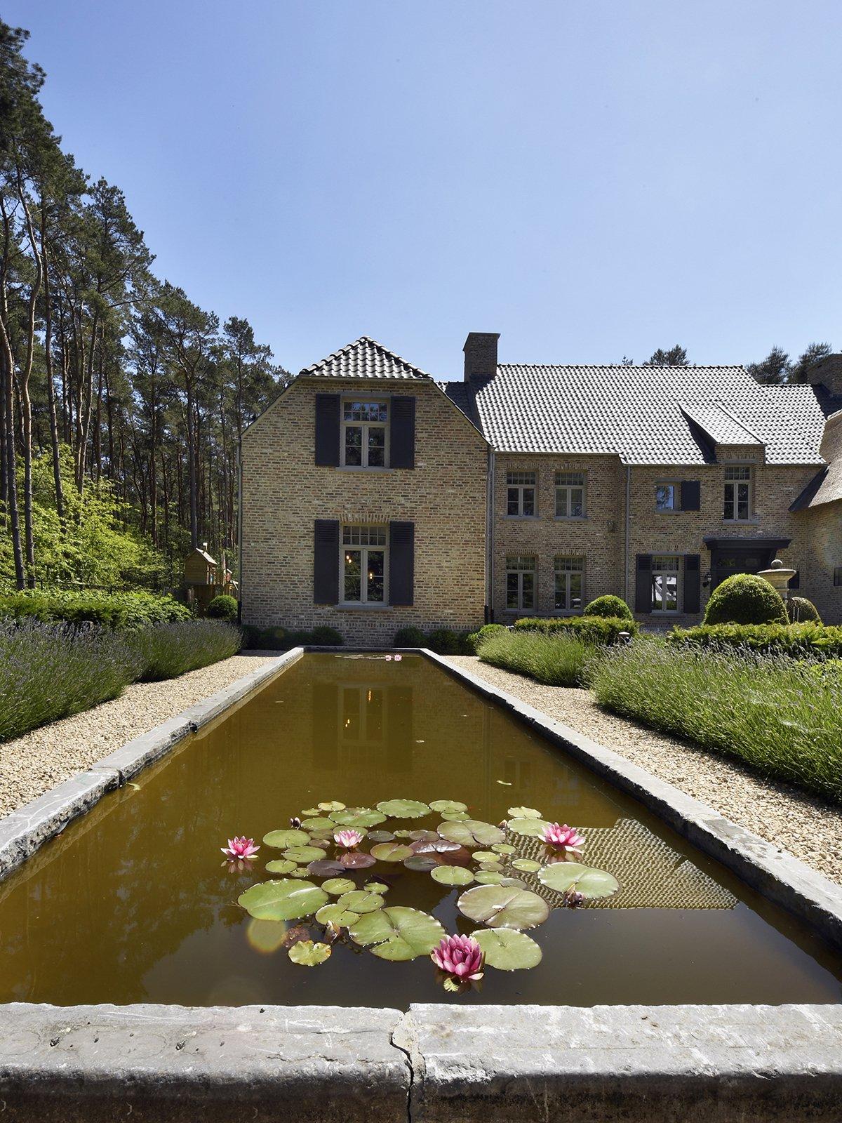 Klassieke villa met talrijke details, Magnus villa's, Klassieke villa