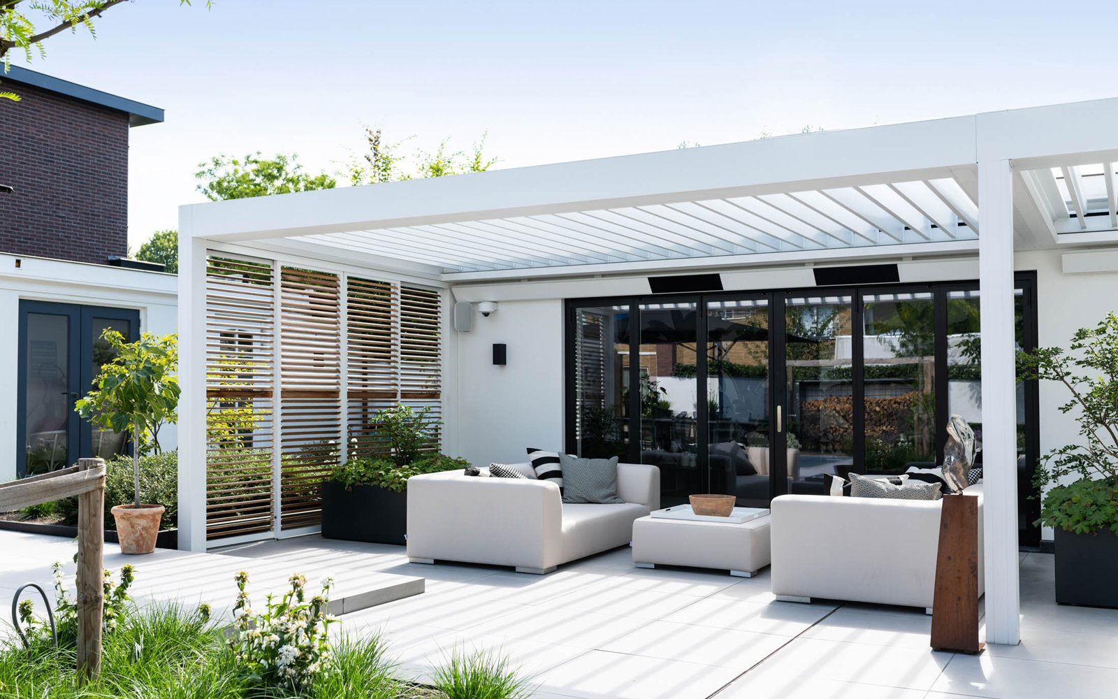 zonnewering, overkappingen, outdoor living, dossier