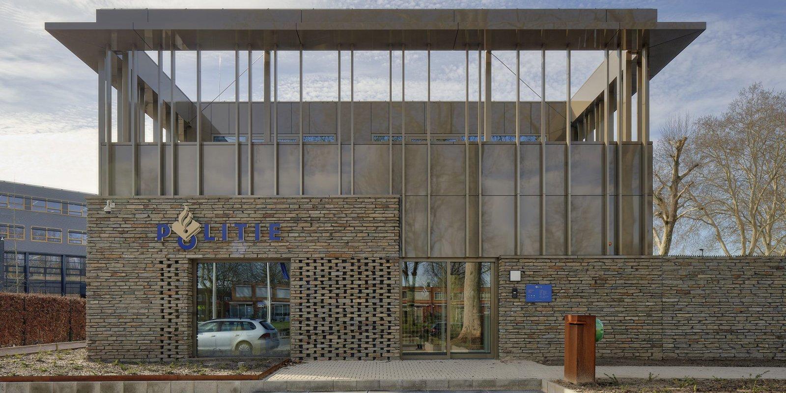 Natuurgevelsteen, Politiebureau, Natuursteen, Luxe materialen